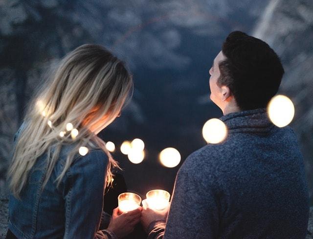 Find en kæreste igennem online dating